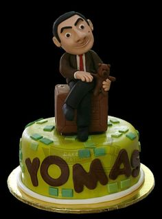 Bean A hand molded edible caricature cake topper of Mr. Mr Bean Birthday, 3rd Birthday, Birthday Cakes, Mr Bean Cake, Bean Cakes, Book Themes, Theme Ideas, Party Themes, Mr Bin