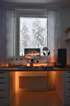 50 Minimalist Workspace Ideas That Make Your Room Look Cool Cozy Home Office, Home Office Setup, Home Office Space, Home Office Design, Home Design, Office Designs, Desk Space, Computer Desk Setup, Gaming Room Setup