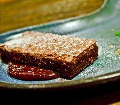 Brasil_a_gosto_crédito Patricia Cecatti_ Bolo morno de chocolate com calda de chocolate AMMA e sorvete de pitanga (15)