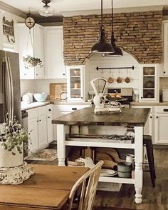Rustic Italian Tuscan Style for Interior Decorations 48 Rustic Italian Decor, Rustic Country Kitchens, Farmhouse Style Kitchen, Home Decor Kitchen, Rustic Kitchen, Rustic Farmhouse, Italian Home Decor, Rustic Style, Rustic French