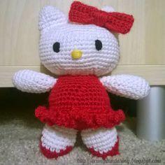 Crocheted amigurumi Hello Kitty(pattern by Esperanza Rosas)