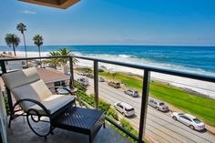La Jolla 2 br Ocean View Vacation Rental Condo: Ocean view penthouse suite in the heart of the Village