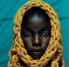 Like a sunflower  Photo via @afroellemag  ______ #Osengwa | #AfricanArt | #AfricanFashion | #AfricanMusic | #AfricanStyle | #AfricanPhotography | #Afrocentric | #Melanin | #African | #Art | #AfricanInspired | #InspiredByAfrica | #BlackIsBeautiful | #ContemporaryArt | #OutOfAfrica