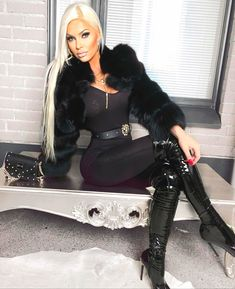 Fur Fashion, Leather Fashion, Womens Fashion, High Leather Boots, Leather Pants, Sexy Outfits, Sexy Stiefel, Cat Women, Nylons Heels