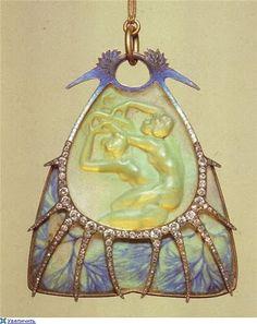 Art Nouveau artists - Lalique Jewelry. Pendants    https://www.artexperiencenyc.com/social_login/?utm_source=pinterest_medium=pins_content=pinterest_pins_campaign=pinterest_initial