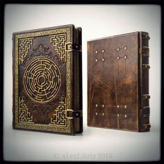 Ancient grimoire of autographs by MilleCuirs on DeviantArt Custom Journals, Custom Book, Magic Book, Handmade Books, Handmade Journals, Leather Books, Old Books, Book Binding, Book Journal