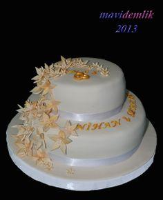 mavi demlik mutfağı- izmir butik pasta kurabiye cupcake tasarım- şeker hamurlu-kur: ÇİÇEKLİ NİŞAN PASTASI