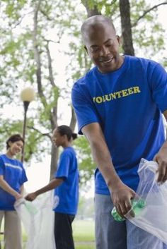 How to List Volunteer Experience on a Resume