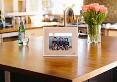 Aura Smart Photo Frame