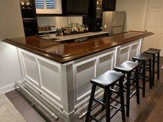Finished Bar Photo Gallery - Bar Rails & Parts Finished Bar Photo Gallery – Bar Rails & Parts – Hardwoods Incorporated Home Bar Plans, Basement Bar Plans, Basement Bar Designs, Home Bar Designs, Basement Makeover, Basement Renovations, Basement Ideas, Home Bar Rooms, Diy Home Bar