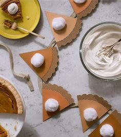 How to Make a Pumpkin Pie Garland Fall Arts And Crafts, Autumn Crafts, Holiday Crafts, How To Make Pumpkin, A Pumpkin, Pumpkin Song, Thanksgiving Diy, Thanksgiving Decorations, Holiday Decorations