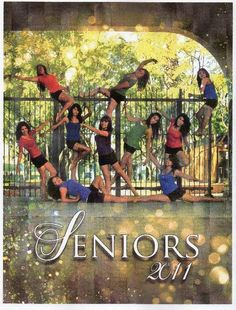 Team seniors photography idea. Something to do with all your friends.