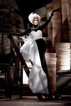 Iconic supermodel Carmen Dell'Orefice photo by Ali Mahdavi 2011    #CarmenDellOrefice   Carmen Dell Orefice