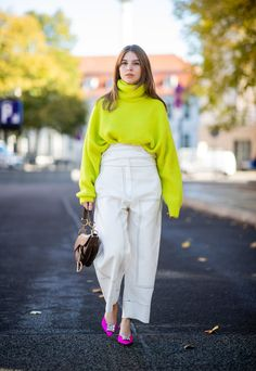 What is Trending Now in Fashion: 25 Top Fashion Trends for Falling Outfit Finding a right fashion trend for falling outfit is not easy. Be sure to think that you find fashion that is suitable for you to accompany your fall outfit. Neon Outfits, Stylish Outfits, Fashion Outfits, Fashion Trends, Workwear Fashion, Fashion Blogs, Cheap Fashion, Winter Outfits For Work, Fall Outfits