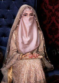 A collection of veiled beauties Muslim Wedding Gown, Muslimah Wedding Dress, Pakistani Wedding Outfits, Hijab Bride, Muslim Brides, Pakistani Wedding Dresses, Bridal Outfits, Muslim Women, Hijabs
