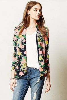 Everything's Coming Up Roses With These 15 Springy Florals #refinery29  http://www.refinery29.com/floral-print#slide13