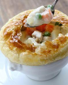 """750g vous propose la recette """"Chicken pot pie (tourte au poulet)"""" publiée par virginHd3."""