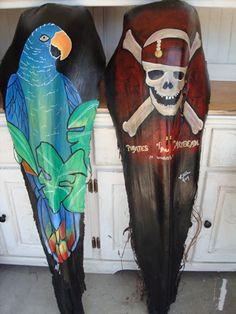 Hojas de palmera Palm Tree Crafts, Palm Tree Art, Palm Trees, Palm Frond Art, Palm Fronds, Dot Art Painting, Painting On Wood, Tiki Faces, Drawn Art