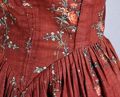 Detail of American cotton print open robe, c.1790, from the Vintage Textile archives.