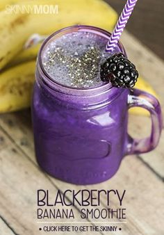 Skinny Blackberry Banana Smoothie 1 small banana 1 cup blackberries, fresh or frozen 1 cup unsweetened vanilla almondmilk 1 tsp Stevia® (or your favorite sweetener) 1 tsp Chia seeds ¾ cup ice (if using fresh blackberries) Apple Smoothies, Yummy Smoothies, Juice Smoothie, Breakfast Smoothies, Smoothie Drinks, Yummy Drinks, Healthy Drinks, Healthy Foods, Healthy Eats
