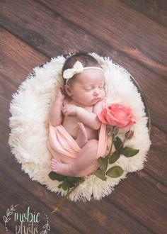Newborn Shoot, Baby Girl Newborn, Baby Baby, Cute Babies Newborn, Babies Pics, Cutest Babies, Cute Baby Girl, Unisex Baby Names, Names Baby