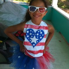 Fourth of July style DIY t shirt, tutu and glasses