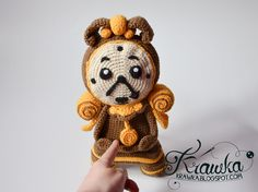 Krawka: Cogsworth - enchanted clock from Disney's Beauty and the Beast with moving pendulum pattern: https://www.etsy.com/listing/454674184/crochet-pattern-cogsworth-inspired-on?ref=shop_home_active_1