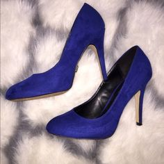 Royal Blue pump heels Suede royal blue heels, very comfortable, worn probably 3 times, no scratches other than the soles. Rock & Republic Shoes Heels