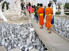 would love to visit Thailand & see the white temple