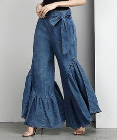 Recall the Riviera in this dramatic pair of palazzo pants crafted from chambray and featuring a sophisticated high-waist.Shipping note: Allow extra time for your special find to ship. Denim Fashion, Fashion Pants, Boho Fashion, Fashion Dresses, Fashion Looks, Womens Fashion, Fashion Design, Fashion Trends, Trousers Women