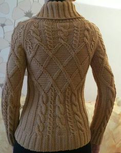 "Képtalálat a következőre: ""aran knitting patterns"" Aran Knitting Patterns, Cable Knitting, Vogue Knitting, Knit Patterns, Hand Knitting, Pull Torsadé, Tricot D'art, Knitting Magazine, Cable Sweater"