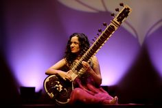 """Anoushka Shankar performs her father's work Raga Mala with former Philharmonic Music Director Zubin Mehta, who premiered the work in 1981 — two months before Anoushka's birth. """"I'm beyond excited. My debut with the New York Philharmonic is such an important milestone. Knowing I'll be in Zubin Uncle's hands for a piece he knows so well, and which my father wrote for this Orchestra, does feel beautiful.""""  Photo credit: Simon Scheuller"""