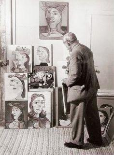 brassai I939 pablo picasso dans son atelier et ses portraits de dora maar (artist studio)