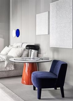 Neotenic Design incorporates simple shapes short thick members soft edges and a clumsy appearance. The resulting form. Monochrome Interior, Modern Interior, Upper East Side, Piece A Vivre, Home And Deco, Interior Exterior, Baby Room Decor, Interiores Design, Bedroom Styles