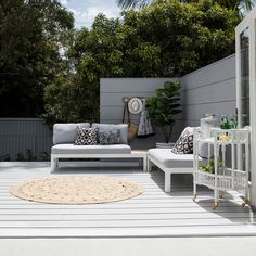Lana from Three Birds Renovations says the backyard should be considered as an alfresco entertaining area that is just as an important a part of the home as the inside. Outdoor Living Rooms, Outdoor Spaces, Outdoor Decor, Three Birds Renovations, Alfresco Area, Modern Pools, Wall Cladding, Pool Designs, Outdoor Entertaining