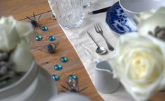 Can use thistles for tablescaping to carry on the florals on the dinning tables.