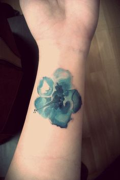 12 Ultra-beautiful No Line Tattoos for Women   Pretty Designs