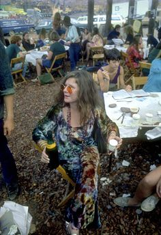 Janis Joplin, Woodstock I was just headed from Vietnam to Navy Hospital at. Janis Joplin, Woodstock I was just headed from Vietnam to Navy Hospital at… Janis Joplin, Woodstock I was just headed from Vietnam to Navy Hospital at… Hippie Style, Hippie Man, 70s Hippie, Hippie Peace, Hippie Love, Janis Joplin, Woodstock Hippies, 1969 Woodstock, Woodstock Photos