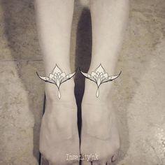 Petit Tattoo, Motifs, Henna, Tattoos, Instagram, Wall Plug, I Want You, Tatuajes, Tattoo