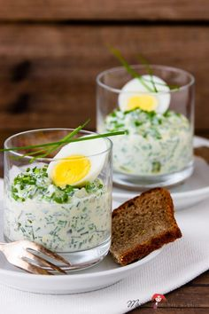 Chive and egg salad - the perfect snack in spring - madam beet & the country kitchen - Chive and egg salad – the perfect snack in spring – madam beet Das schönste Bild für salade b - Party Buffet, Egg Salad, Party Snacks, Food Items, Beets, Finger Foods, Pasta Recipes, Coco, Food And Drink