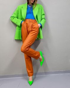 Colour Combinations Fashion, Color Combinations For Clothes, Color Blocking Outfits, Neon Outfits, Colourful Outfits, Stylish Outfits, Fashion Outfits, Look Fashion, Retro Fashion
