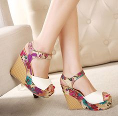 Beautiful Floral Design Ankle Strap Summer Fashion Wedges In Blue and White