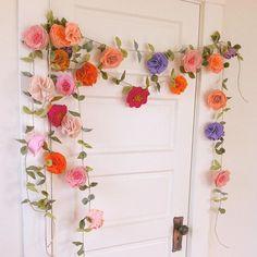 felt flower garland // http://fancyfreefinery.etsy.com // by Fancy Free Finery