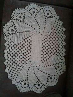 Crochet lace pattern free table runners New ideas Crochet Dollies, Crochet Doily Patterns, Thread Crochet, Filet Crochet, Crochet Designs, Hand Crochet, Crochet Toys, Crochet Lace, Crochet Stitches