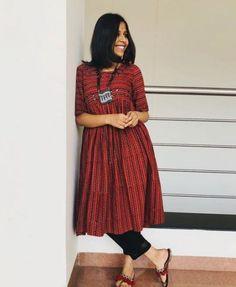 43 Ideas Womens Fashion Classy Office Wear Getting suity! Simple Kurta Designs, Kurta Designs Women, Churidar Designs, Indian Formal Wear, Casual Indian Fashion, Modern Fashion, Classy Fashion, Fashion Vintage, Estilo Gigi Hadid