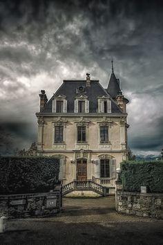 """ thepictorialist: "" House in Geneva, Switzerland "" "" Classic Architecture, Beautiful Architecture, Beautiful Buildings, Beautiful Homes, Beautiful Places, Abandoned Mansions, Abandoned Buildings, Abandoned Places, Creepy Houses"
