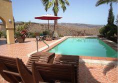 Top gelegene Gran Canaria Villa, mit guter Ausstattung und fantastischem Blick auf die Berge bis hin zum Meer, kaufen Sie bei uns zum top Preis.
