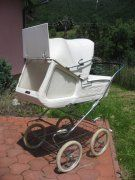 . Pram Stroller, Baby Strollers, Vintage Pram, Prams And Pushchairs, Baby Prams, Baby Carriage, Unique Baby, Social Platform, Retro