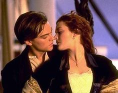 love this movie titanic kiss