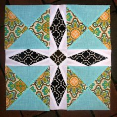 Freshly Pieced Modern Quilts: Summer Sampler Series: Minnesota Block Posted by Lee This is another block that combines traditional piecing and paper piecing. But if you've made it this far in the quilt-along, I promise you'll think this one is a piece of cake.
